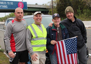 David Roth '91 starts walk across America