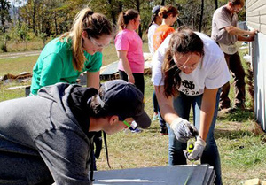 ND students spend fall break in Appalachia